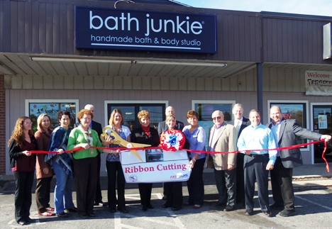G-Ribbon-Bath-Junkie-Ribbon-Cutting